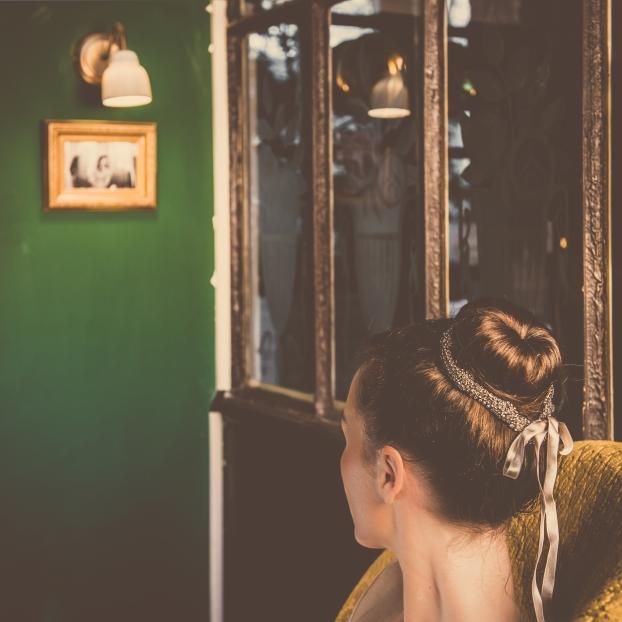 Photographe : Le Jules Photographie Pour L'Accessoire - Love.Talented.People et Robes de mariées Lauren Création- Anne-Laure R. pour le maquillage et la coiffure -